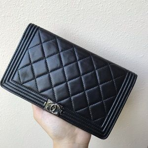 Chanel boy wallet in lambskin
